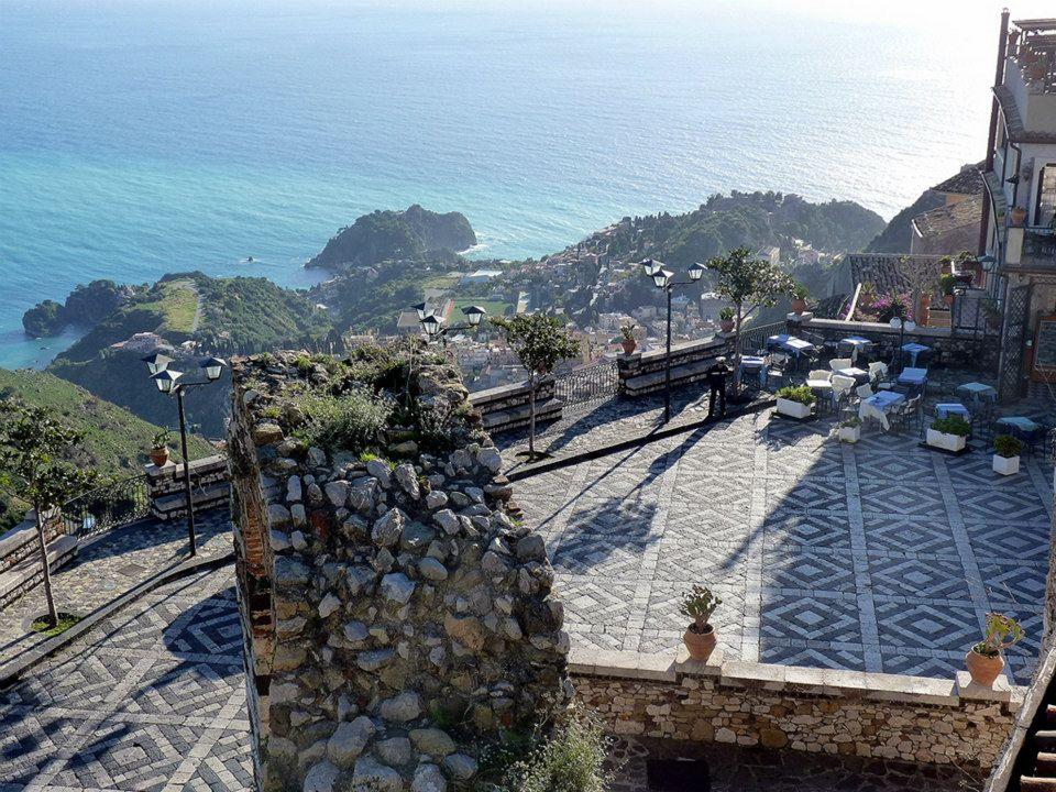 La terrazza panoramica di Castelmola