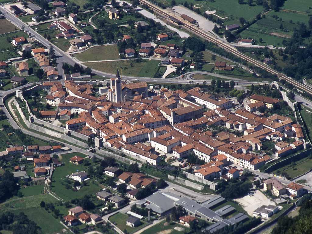 Venzone, Friuli Venezia Giulia, panoramica