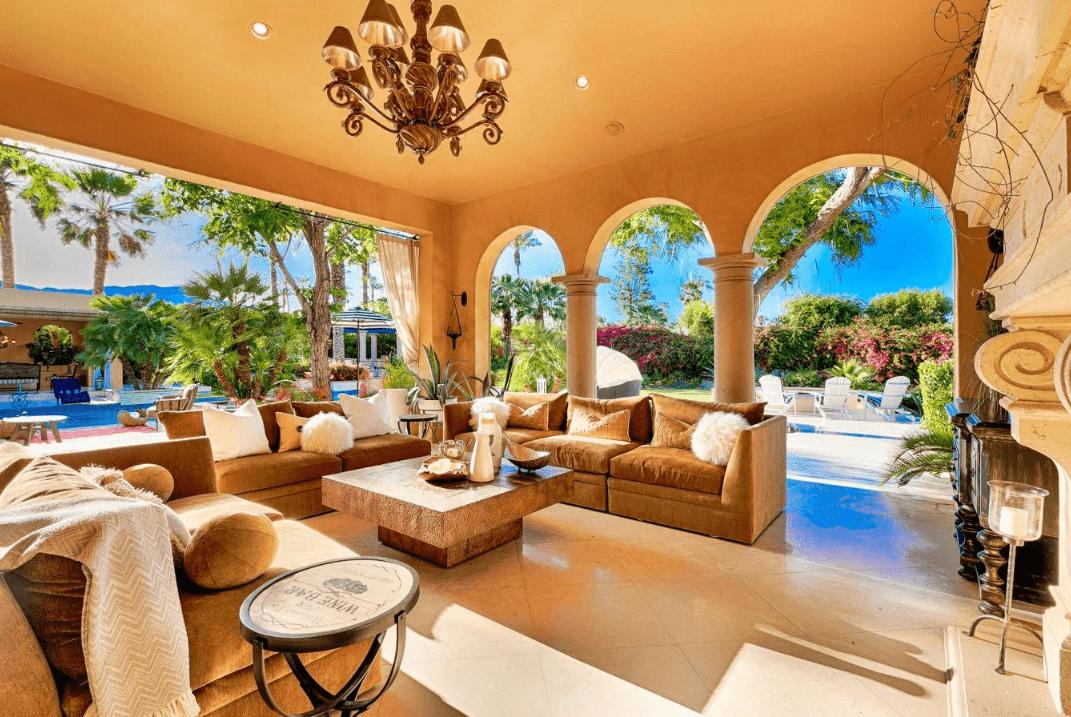 La splendida villa in cui ha soggiornato Lady Gaga a Coachella (8)
