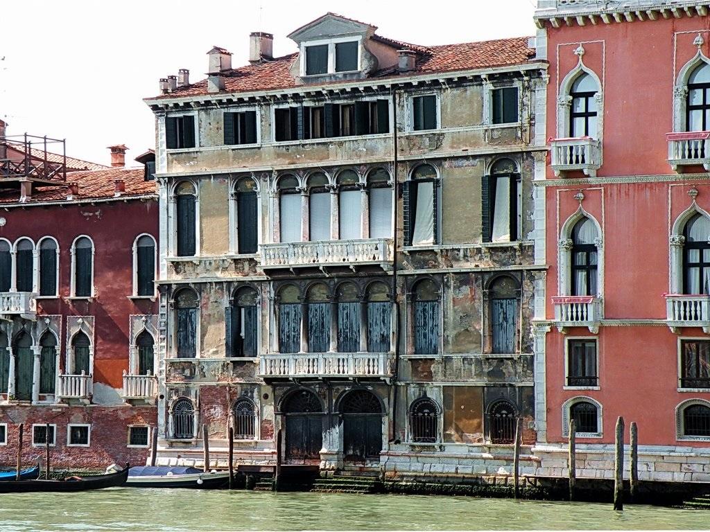 Palazzo Tiepolo Passi facade