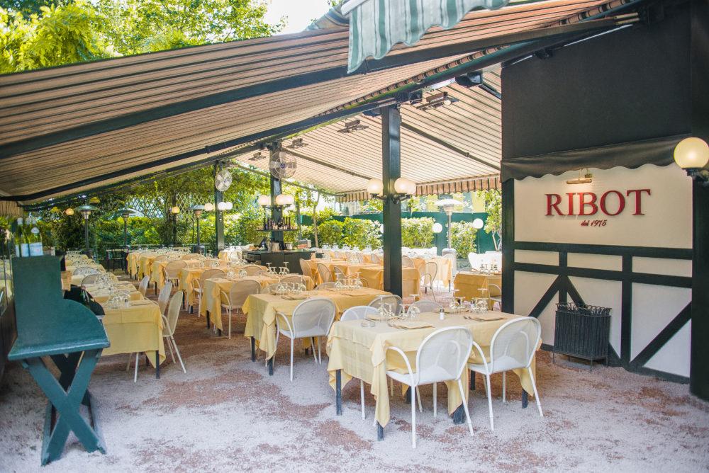 Ristorante all'aperto Ribot a Milano