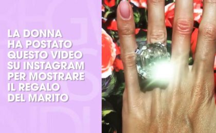 Le regala un anello da 8 milioni di euro: il video su Instagram