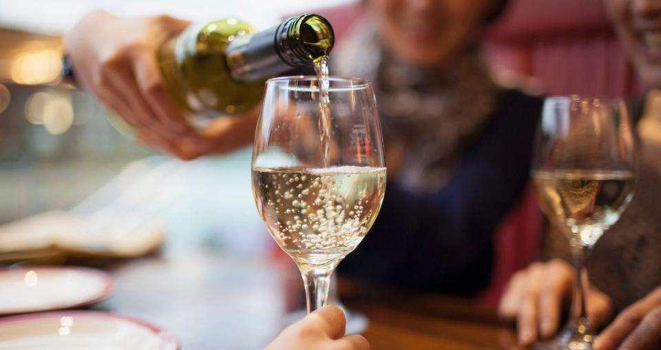 Vini bianchi italiani, i più pregiati del nostro Paese da Nord a Sud [FOTO]
