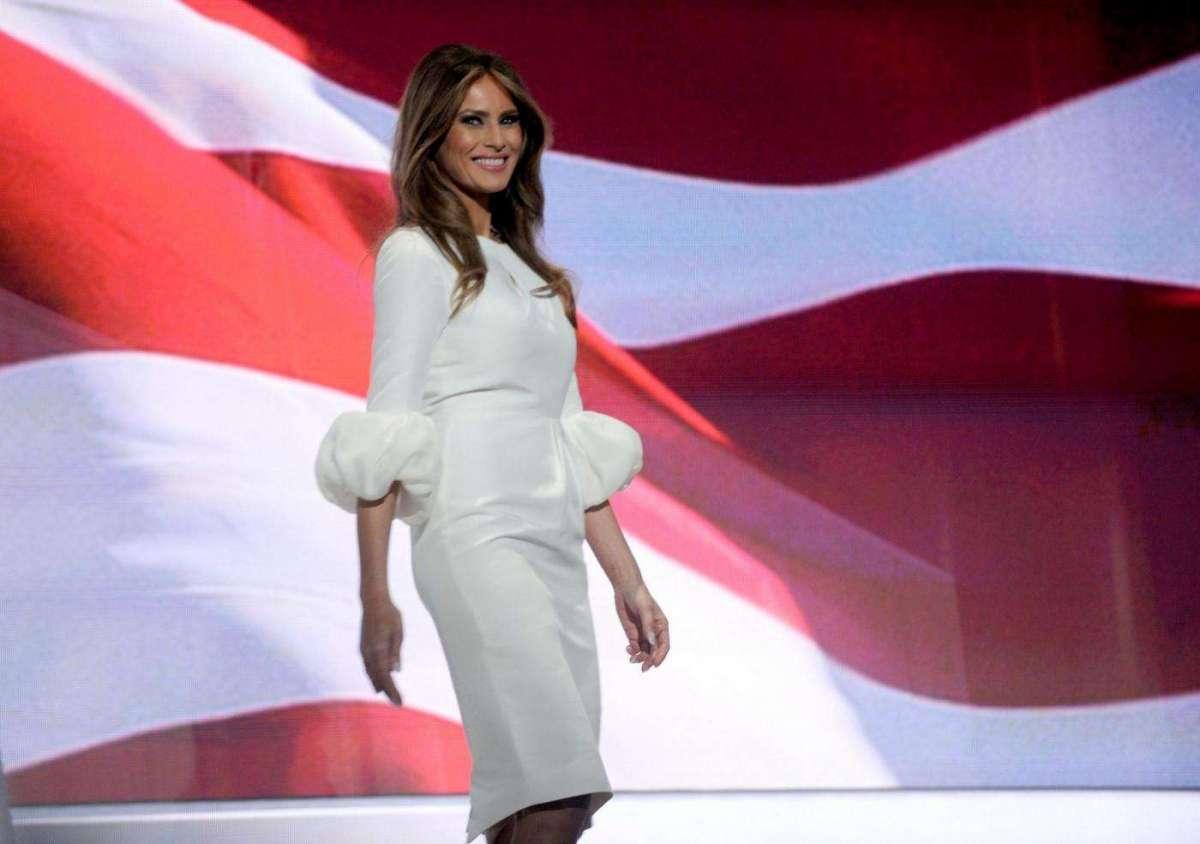 Melania Trump: lo stile e i look della moglie di Donald Trump [FOTO]