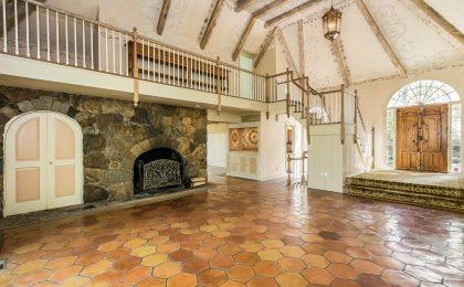 In vendita la splendida villa di Cyndi Lauper in Connecticut