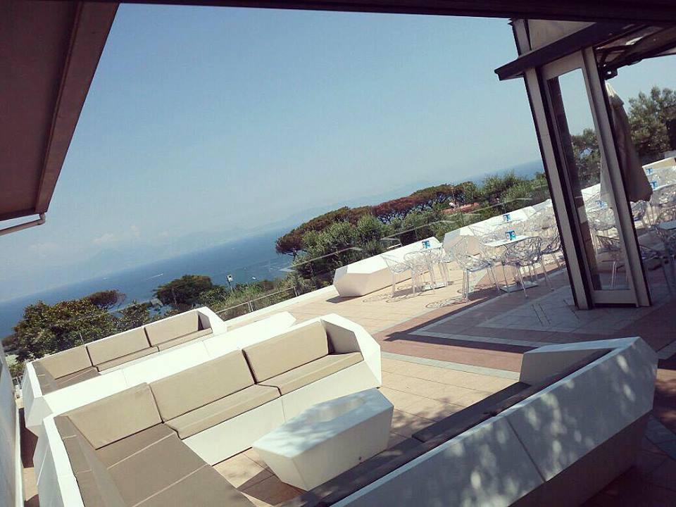 Aperitivo in terrazza a Napoli: 7 location con vista mare [FOTO ...
