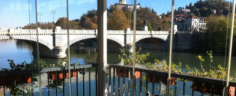 La vista dalla terrazza del Fluido a Torino