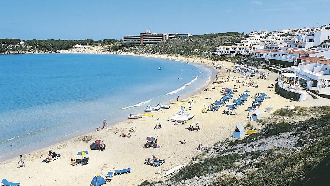 Playa Arenal d'en Castell, la spiaggia