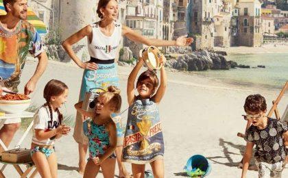 Costumi da bagno per bambini: i modelli firmati per l'estate 2017 [FOTO]