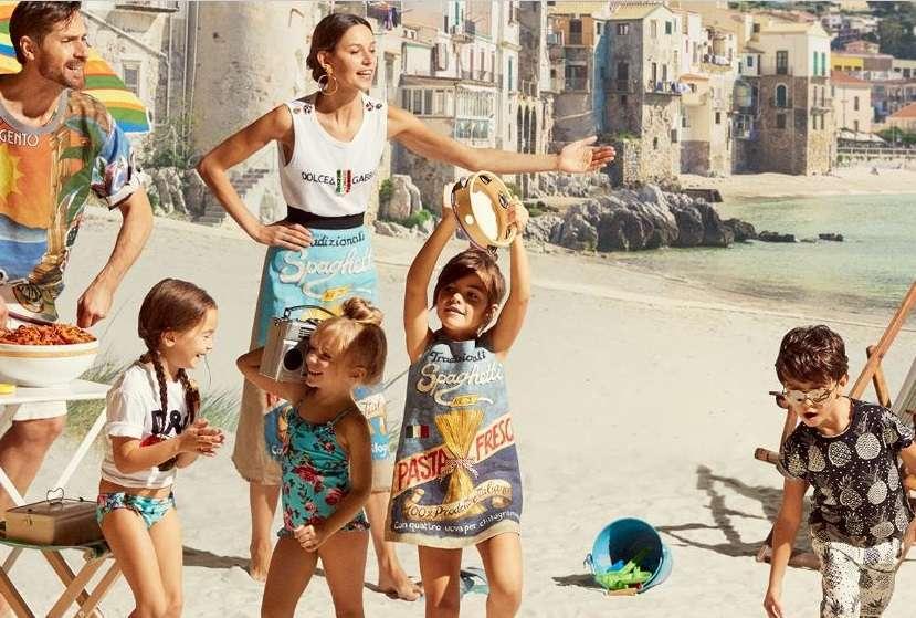 Costumi Da Bagno Per Bambini : Costumi da bagno per bambini: i modelli firmati per lestate 2017