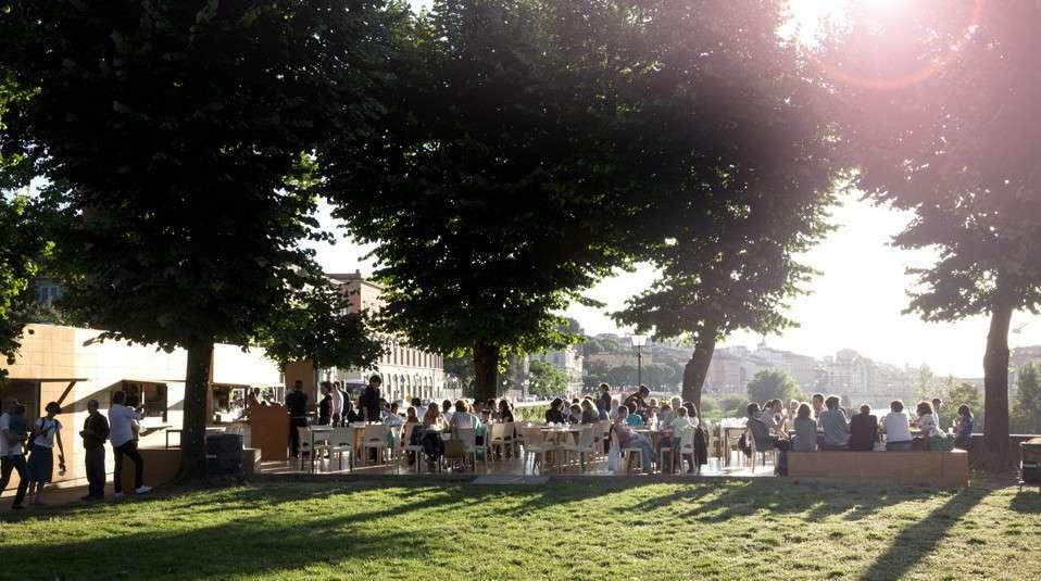 Mangiare all'aperto a Firenze: i ristoranti con giardino da provare [FOTO]