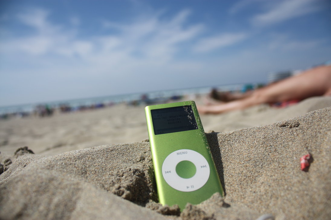ipod_beach_by_wolfkiing d4anwpc