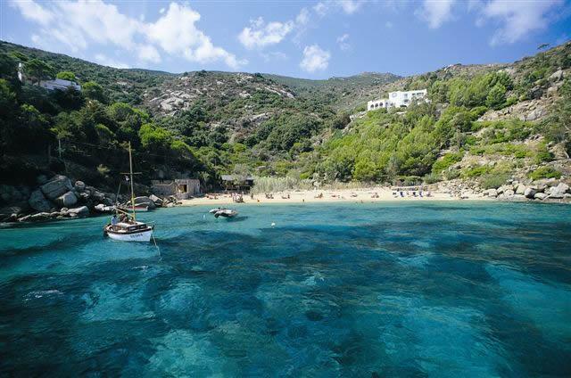 spiaggia isola del giglio caldane