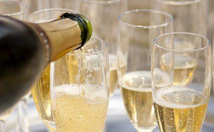 Vini bianchi frizzanti: le bottiglie italiane pregiate