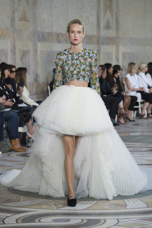 1e239a6efc56 La collezione Haute Couture 2018 di Giambattista Valli