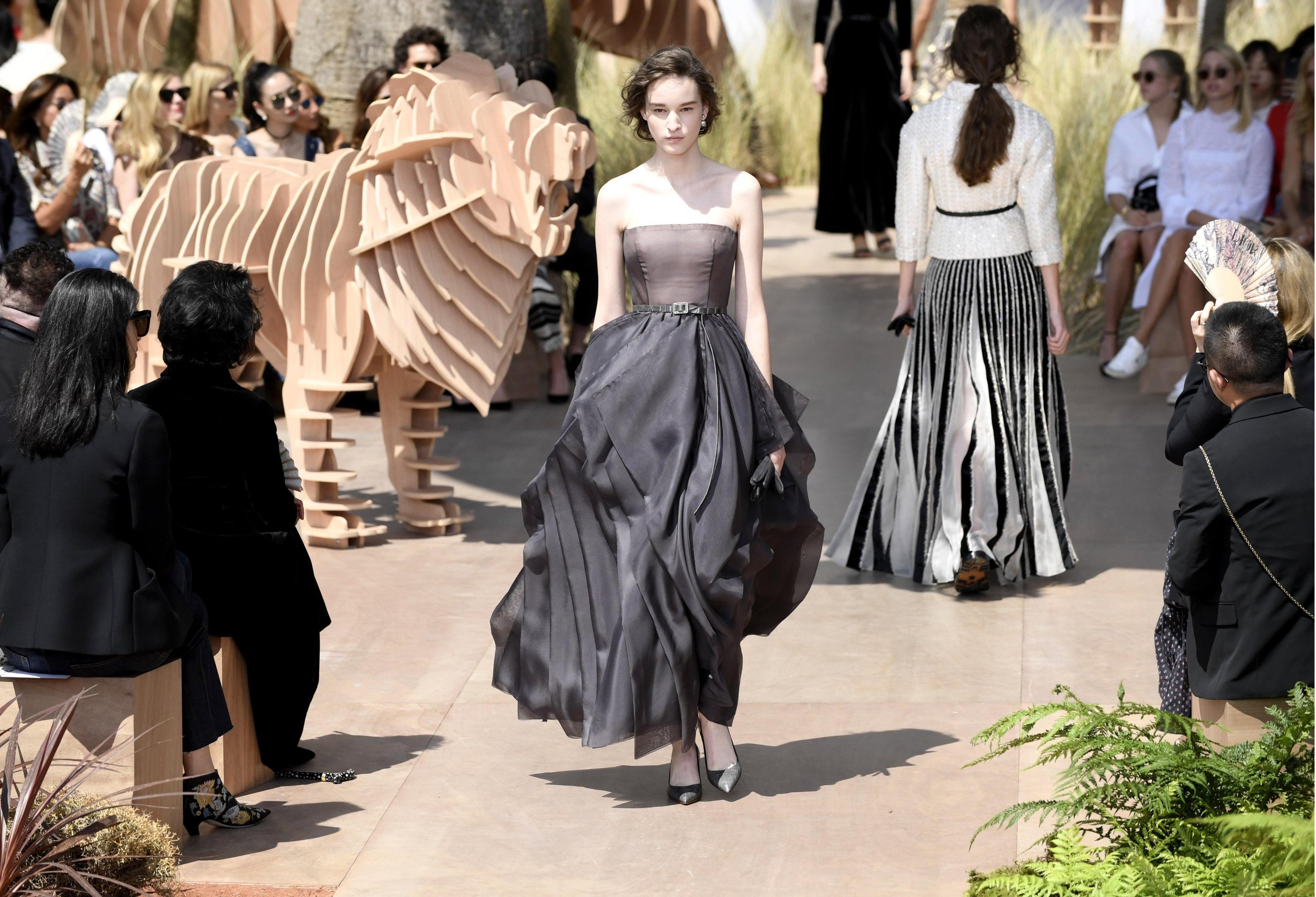 Christian Dior Runway Paris Fashion Week Haute Couture F/W 2017/18
