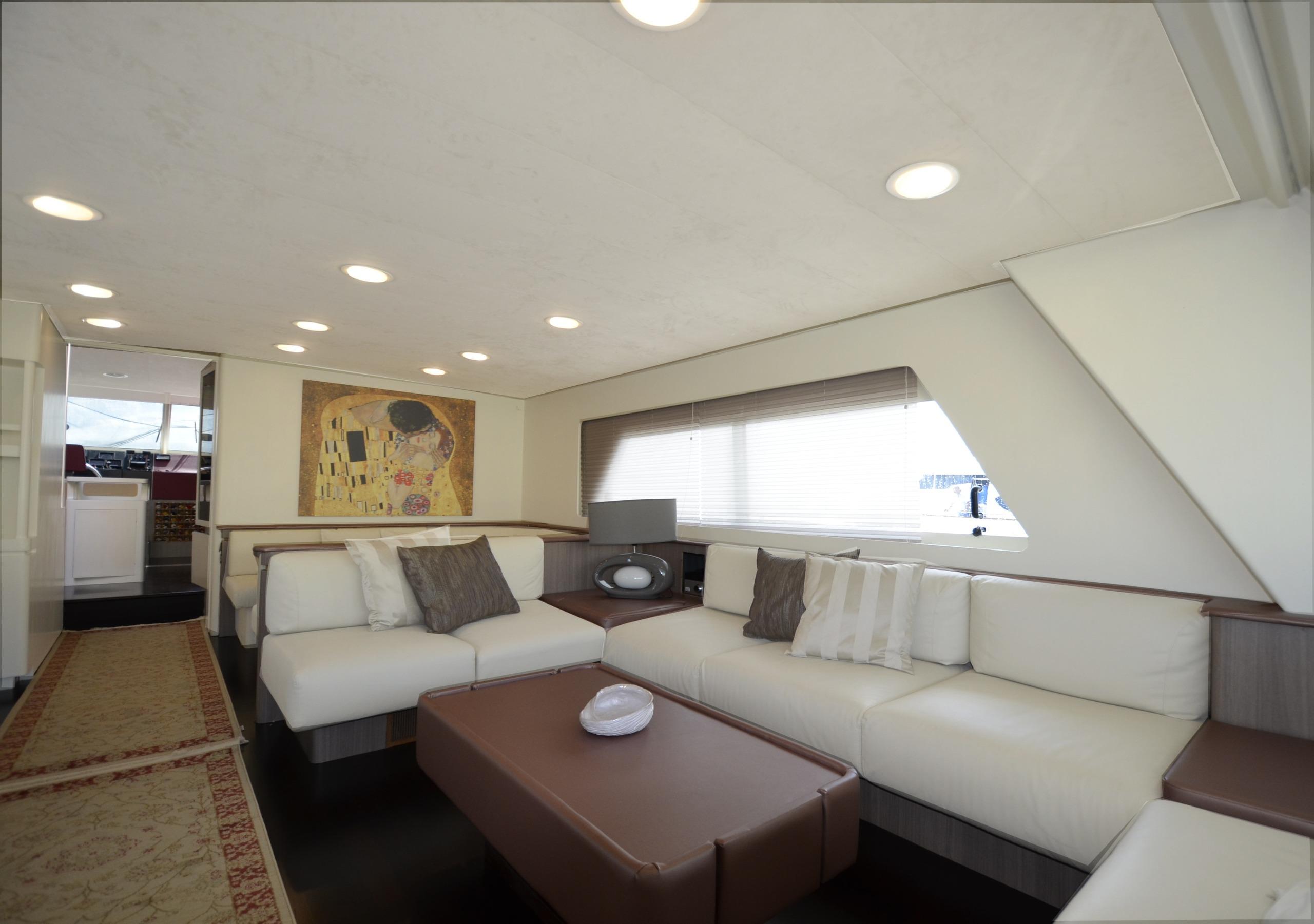 Barca di lusso a Napoli
