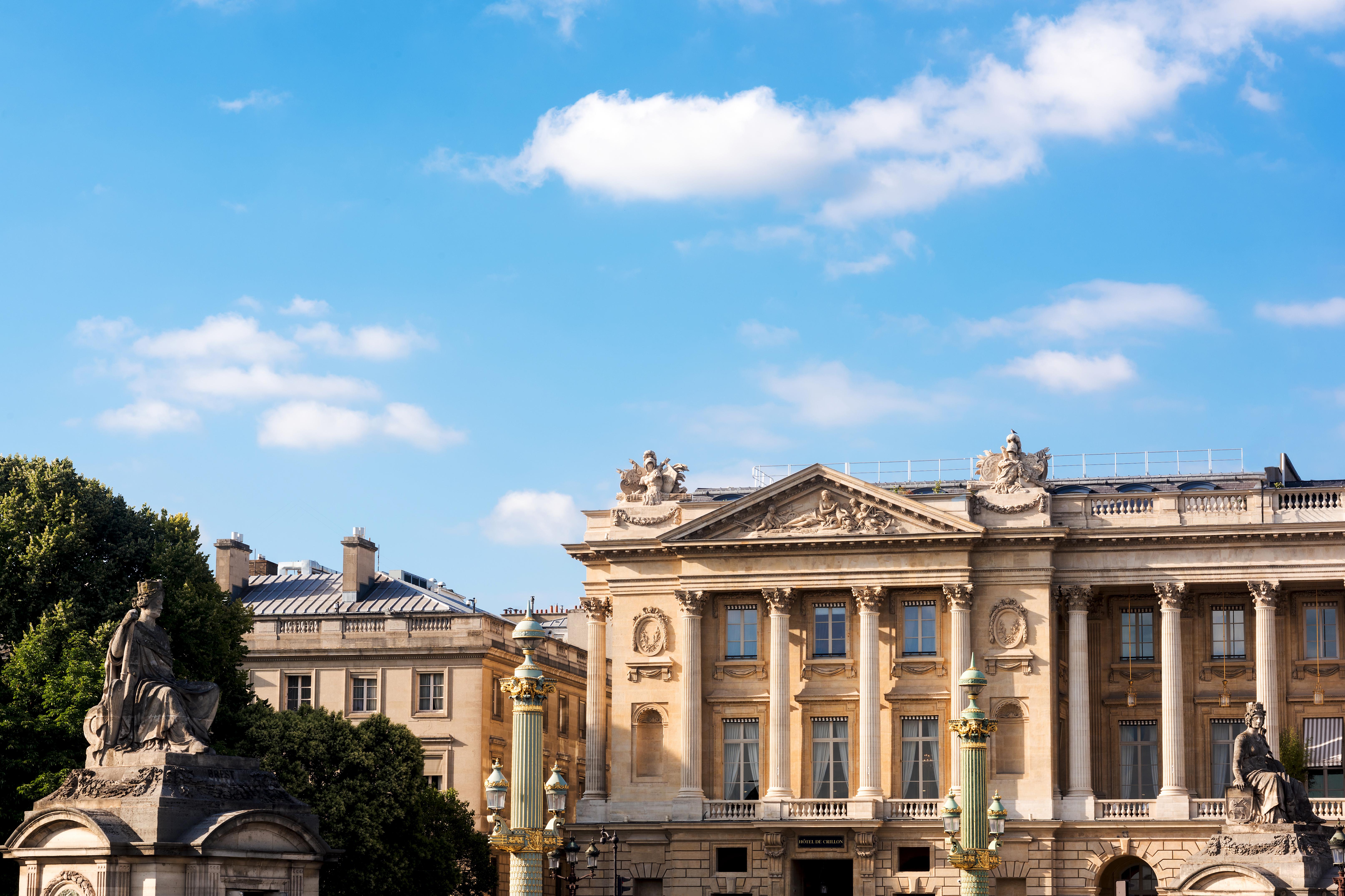 Hôtel de Crillon a Parigi: il nuovo volto dello storico albergo di lusso al numero 10 di Place de la Concorde