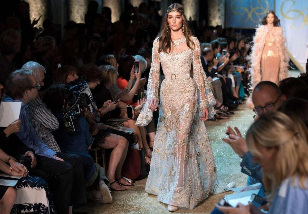 Elie Saab Haute Couture Autunno/Inverno 2017-2018: la sfilata a Parigi [FOTO]