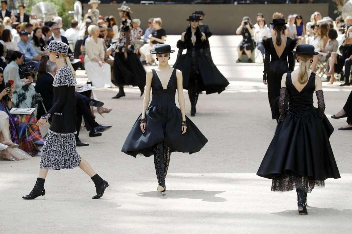 Chanel Haute Couture Autunno/Inverno 2017-2018: la sfilata da Parigi [FOTO]