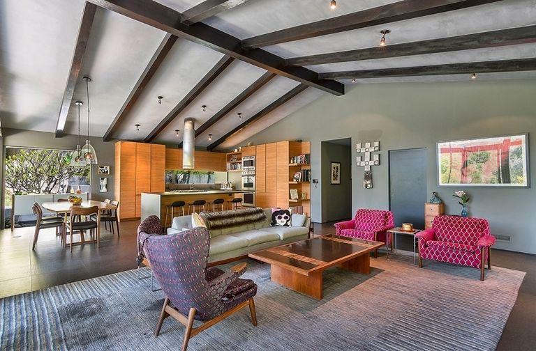 A Bel Air, in vendita la villa che fu di John Legend (1)