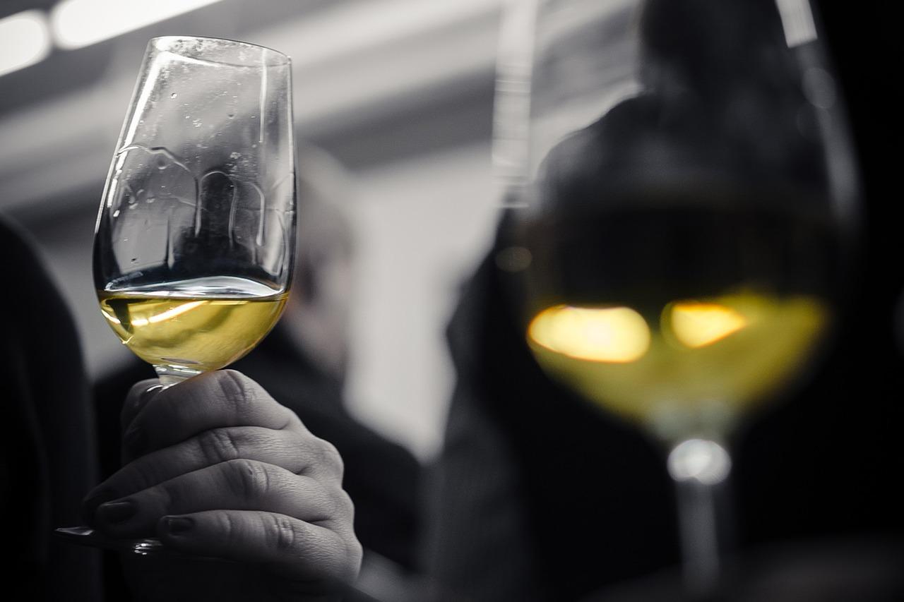 7 regole degustare vino bianco 2