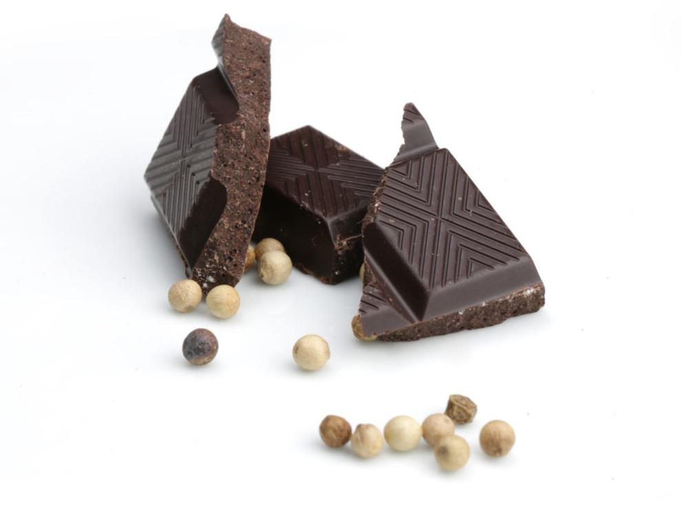 Barrette al cioccolato fondente e pepe bianco Debauve & Gallais