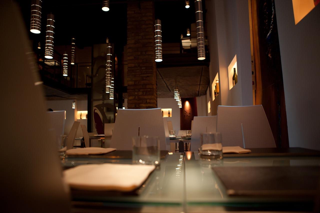 Cristina Bowerman, Glass restaurant