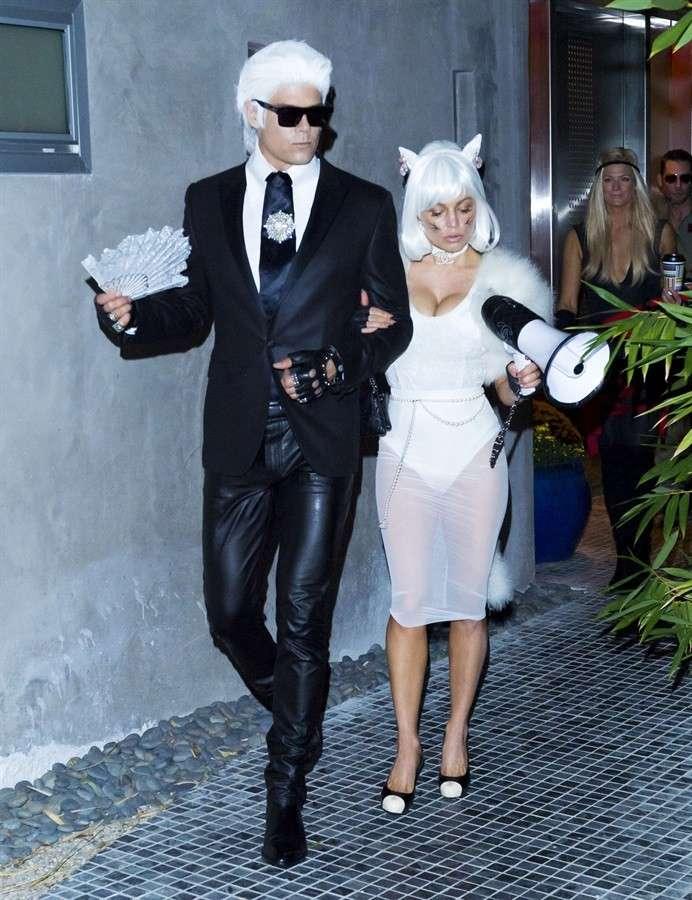 Fergie vestita da Choupette il gattino di Karl Lagerfeld