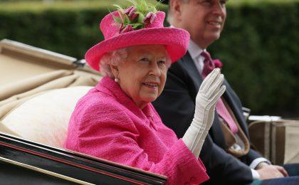 Il treno della famiglia Reale Inglese: lusso e design d'epoca su ruote