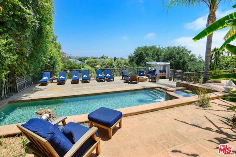 Alanis Morissette ha venduto la sua villa di Brentwood (10)