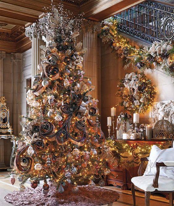 Albero con decorazioni retrò