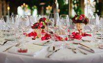 Come apparecchiare la tavola di Capodanno: 21 ispirazioni da Pinterest per la notte di San Silvestro