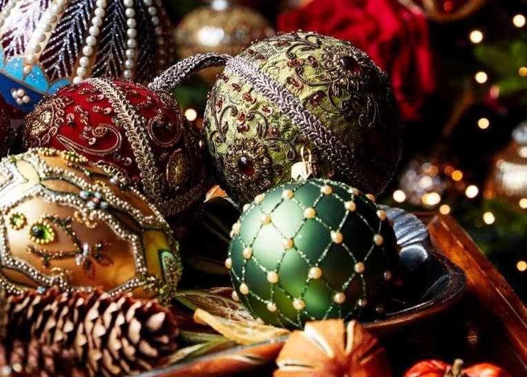 Albero Di Natale Con Decorazioni Blu : Le tendenze degli alberi di natale per il gli addobbi e le