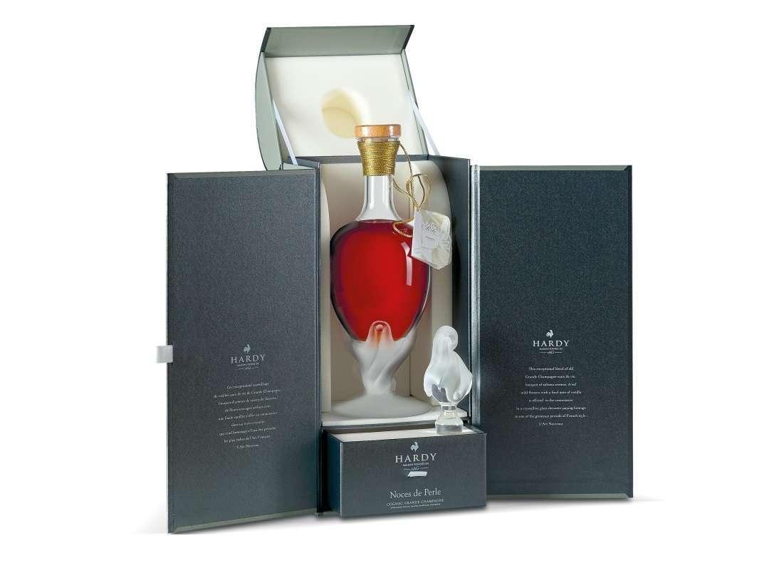 Whisky, cognac e rum: le bottiglie di amari e liquori da regalare a Natale [FOTO]
