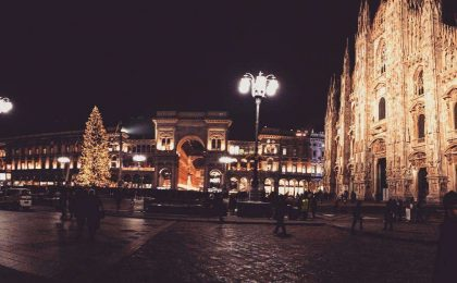Luminarie natalizie a Milano: la città torna a splendere per Natale [FOTO]
