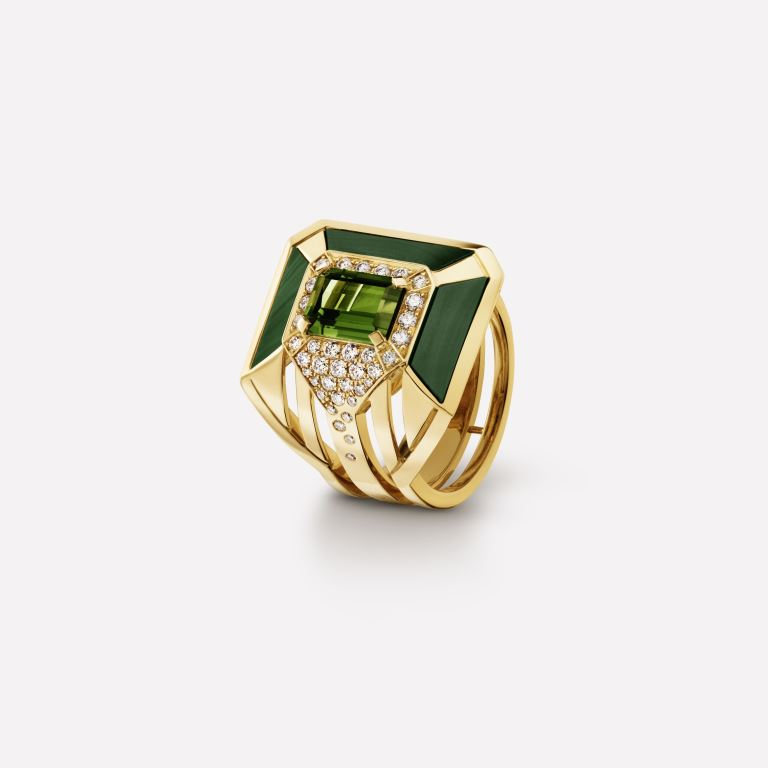 Anello in oro giallo con malachite e diamanti Chanel
