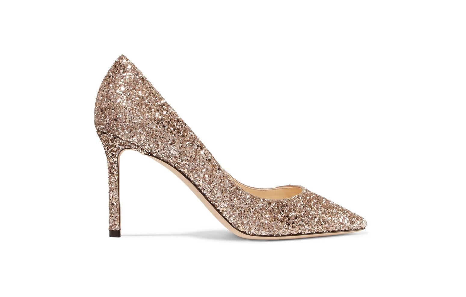 scarpe glitter color oro Jimmy Choo look capodanno