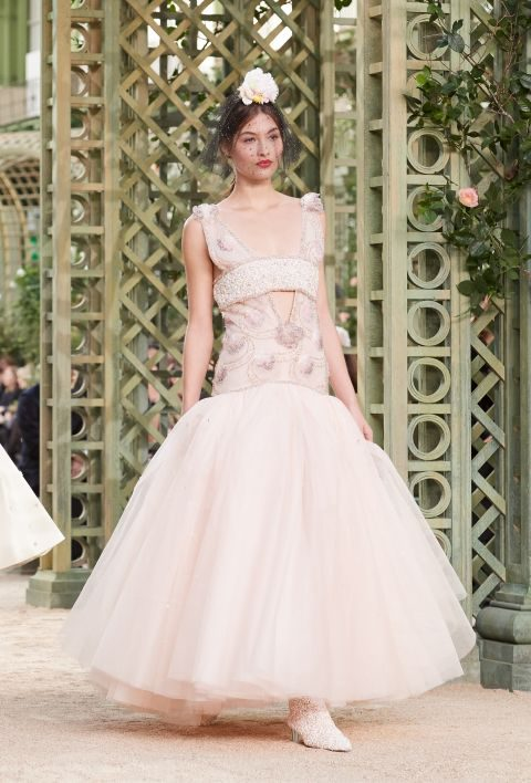 Abito con gonna in tulle Chanel haute couture primavera estate 2018