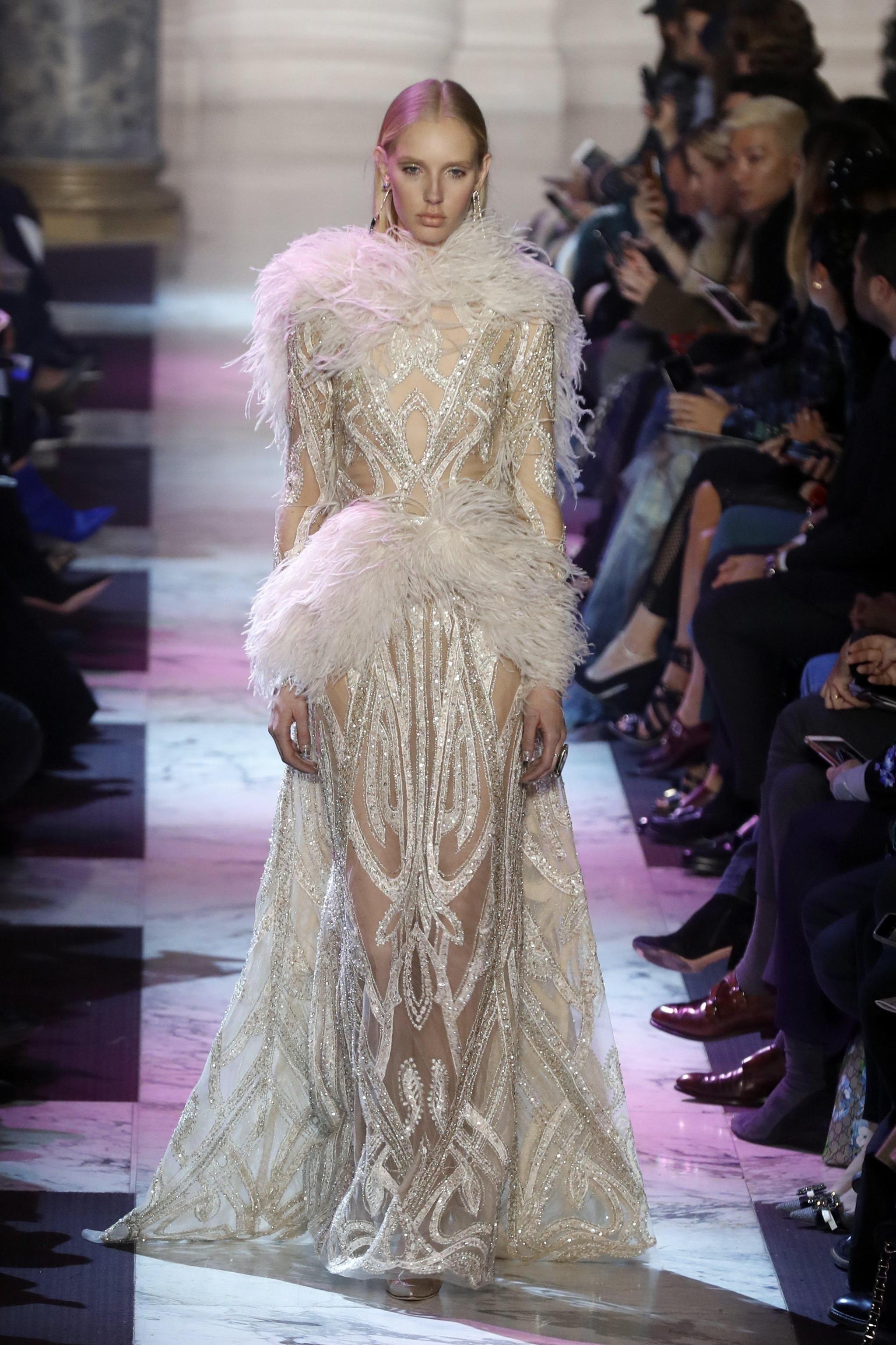 Abito da sposa con trasparenze Elie Saab haute couture primavera estate 2018