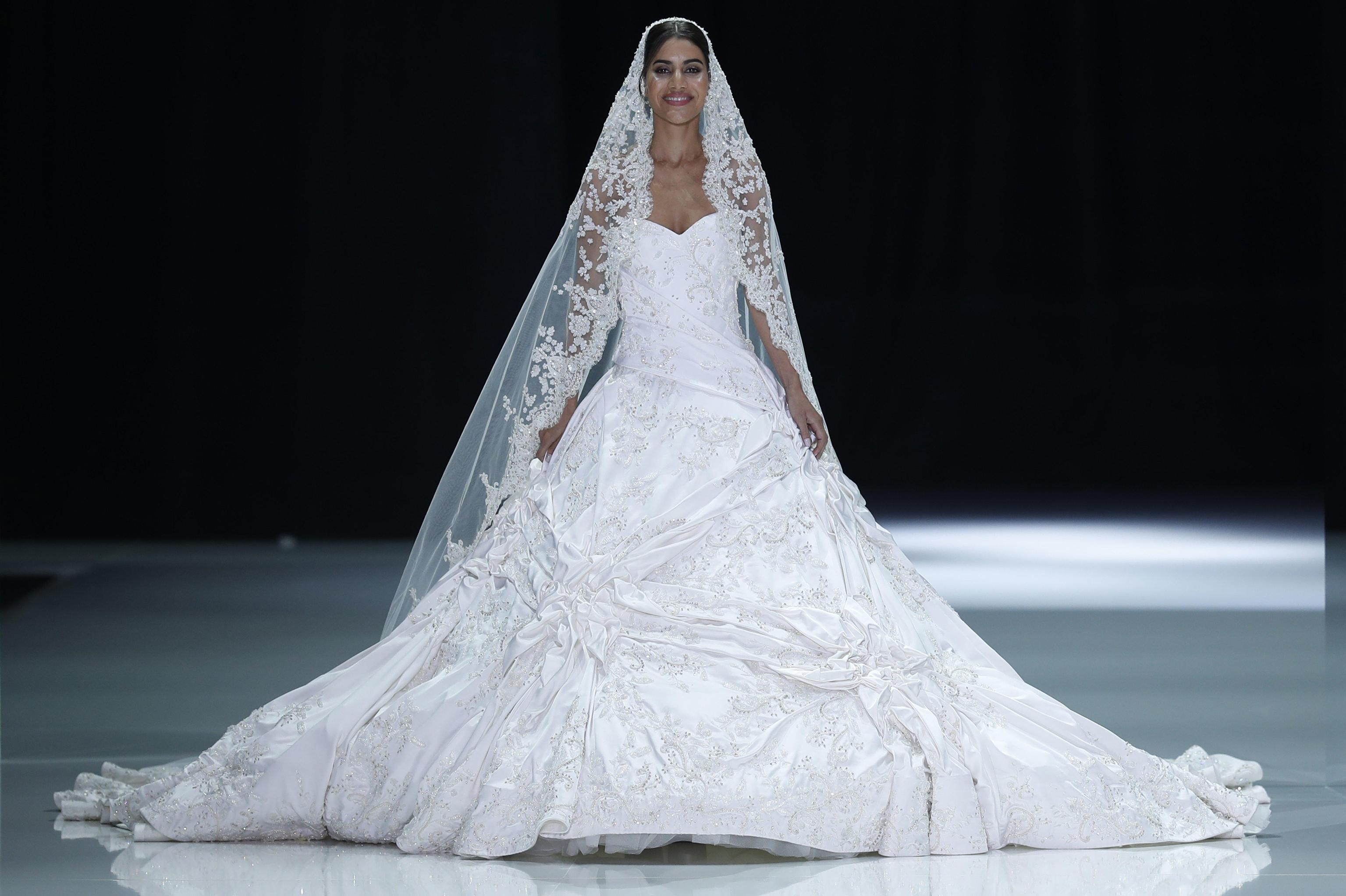 Ralph and Russo abito da sposa Paris Haute Couture gennaio 2018