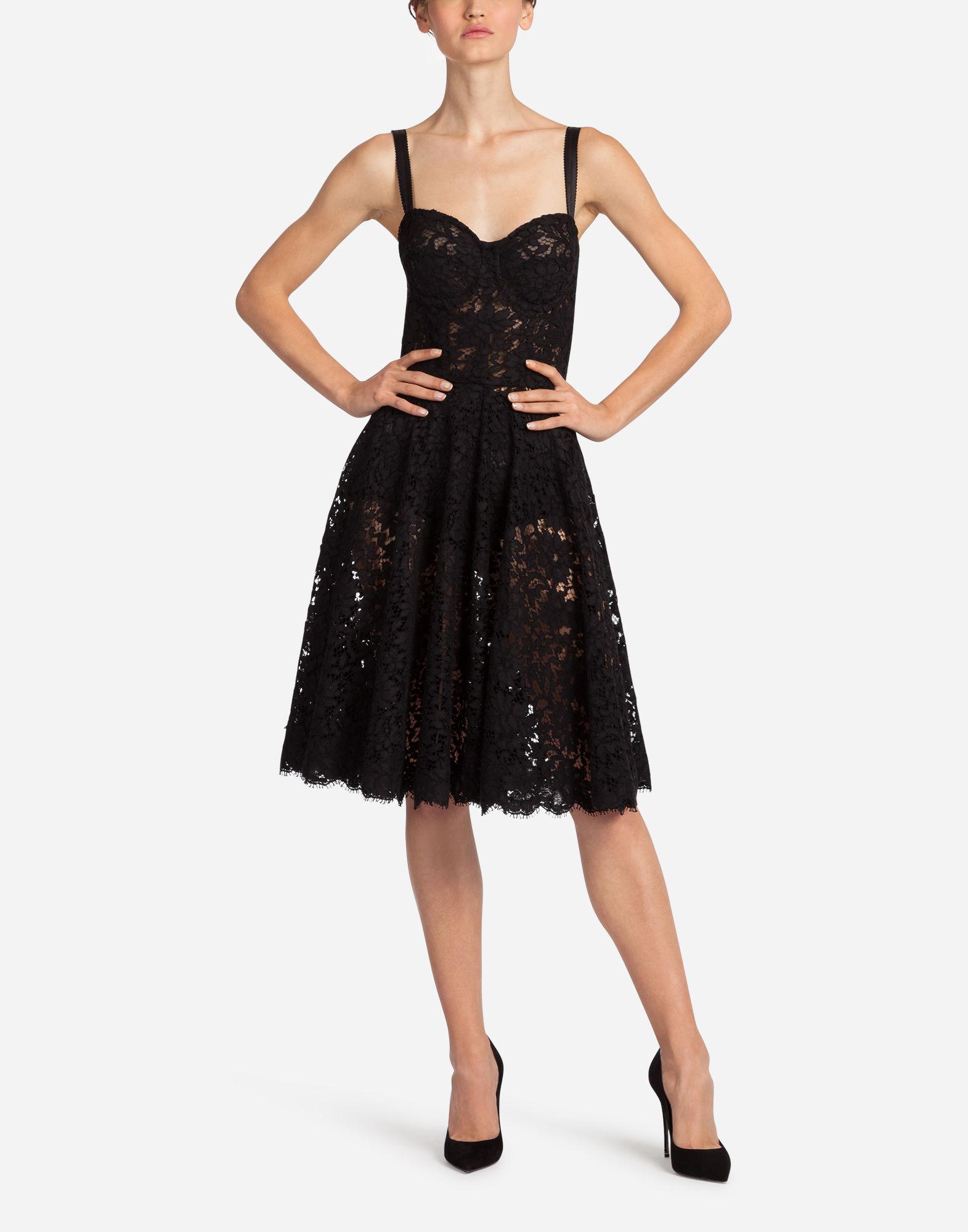 Abito nero in pizzo Dolce & Gabbana outfit donna san valentino