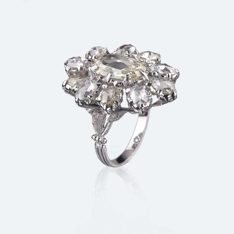 Anello in oro bianco con diamanti Buccellati 2018