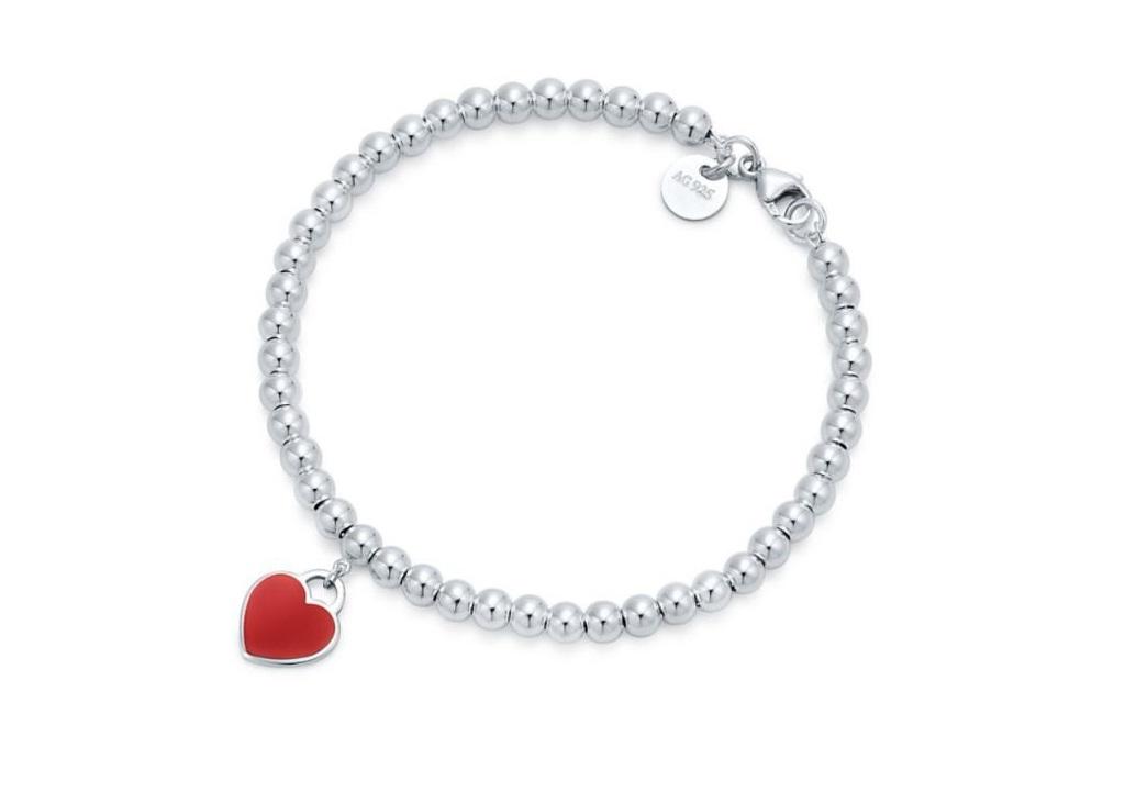 Bracciale in argento con cuore smaltato Tiffany & Co regali san valentino 2018 per lei