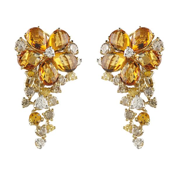 Orecchini in oro giallo e bianco con diamanti Salvini Gioielli 2018