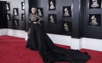 Grammy Awards 2018: abiti, gioielli e look delle star sul red carpet di New York [FOTO]