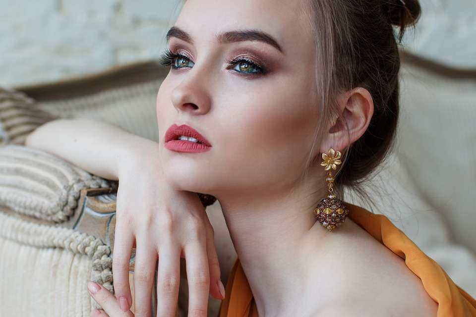Orecchini 2018, i modelli più belli ed esclusivi per l'anno [FOTO]