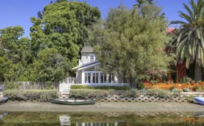 John Frusciante vende la sua casa a Venice
