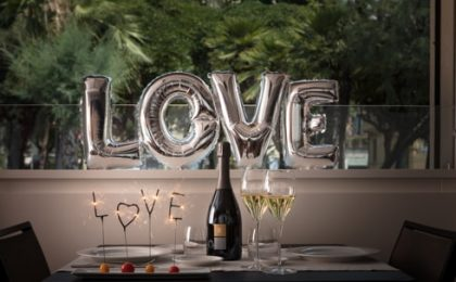 San Valentino: le migliori bottiglie di vino per brindare in nome dell'amore