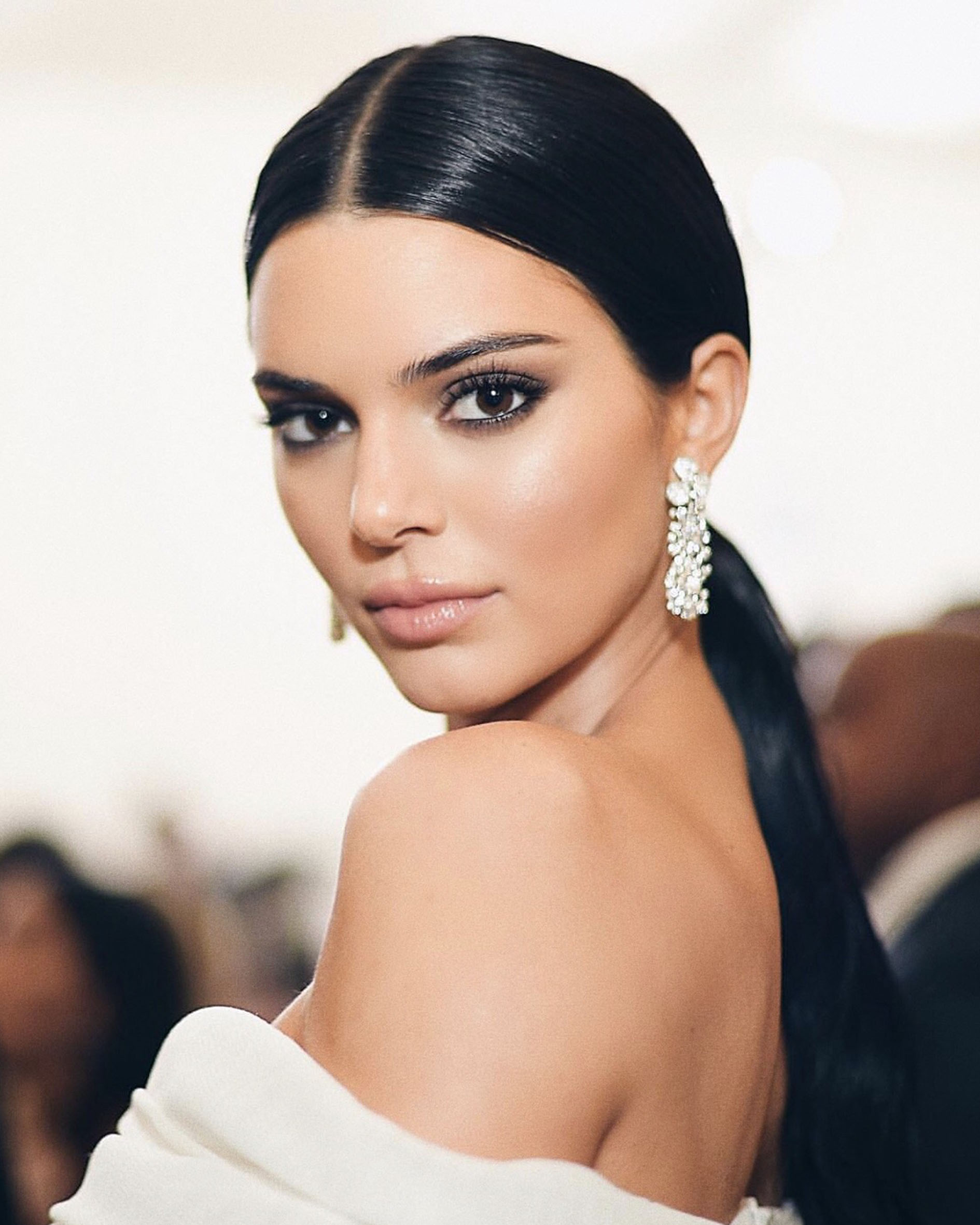 1 Kendall Jenner wore _5187